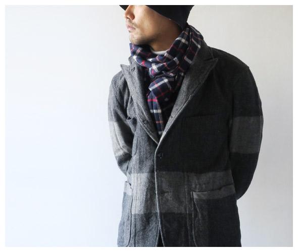 Engineered Garmentsのスカーフのモデル着用画像